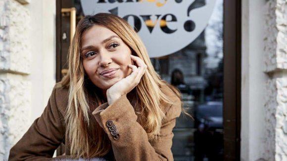 Das Café What do you fancy love in der Knesebeckstraße ist ein Lieblingsspot von Wana Limar. Hier trinkt sie gerne Smoothies.