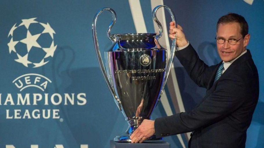 """Zum ersten Mal überhaupt findet das Champions-League-Finale in Berlin statt. Bürgermeister Michael Müller hat bereits den """"Henkelpott"""" inspiziert, um den am 6. Juni der FC Barcelona und Juventus Turin kämpfen."""