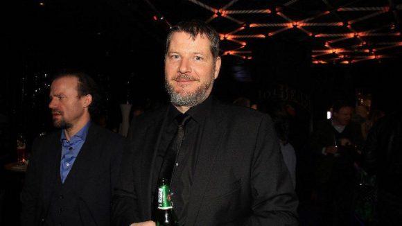 ... Regie führte der in diesem Jahr mit dem Emmy geehrte Wiener Andreas Prochaska.