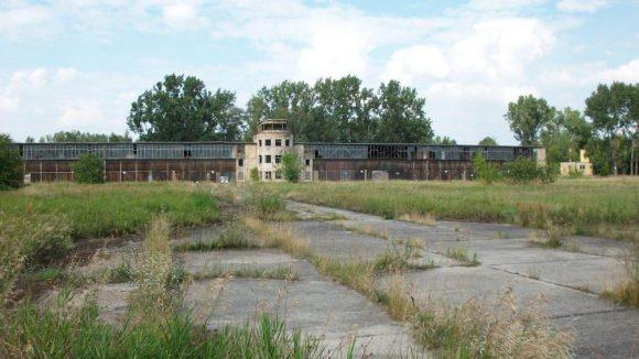 Von hier aus startete Claus Schenk Graf von Stauffenberg am 20. Juli 1944 zu seinem Attentat auf Adolf Hitler.