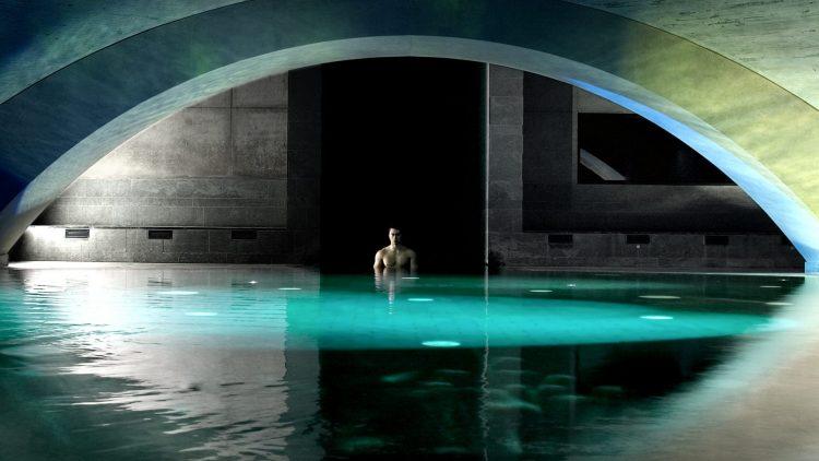 Im Liquidrom in Kreuzberg können die Besucher nicht nur baden, sondern sich auch einer Hamam-Behandlung unterziehen.