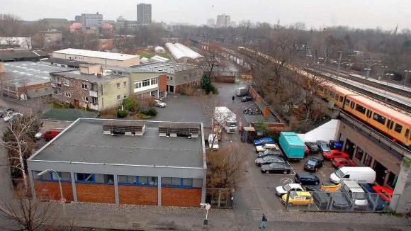 Das Riesenrad-Grundstück am Bahnhof Zoo soll vom Senat zurück gekauft werden.
