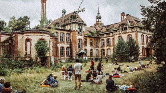 """Das """"Spargel International"""" sollte auf dem Gelände der Beelitzer Heilstätten über die Bühne gehen, die eine lange Geschichte hinter sich haben."""