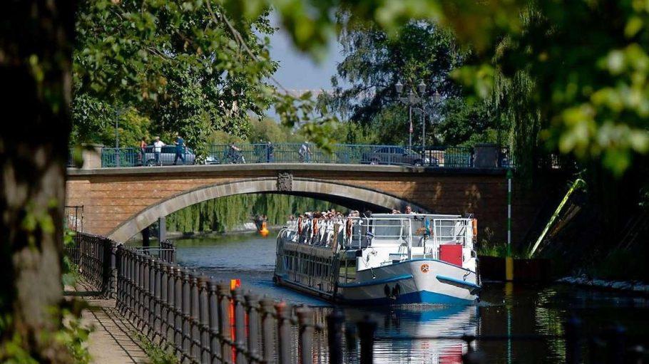 Dass eine Sanierung der Kanalmauern unerlässlich ist, wurde spätestens 2007 klar, als am Neuköllner Maybachufer die Ufermauer einstürzte.