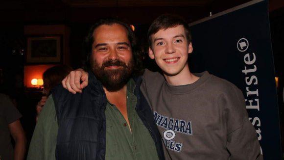 Martin Neuhaus (links, spielt Adam) und Peter Bulkowski (zu sehen als Dominik) sind gespannt auf die Erstausstrahlung.