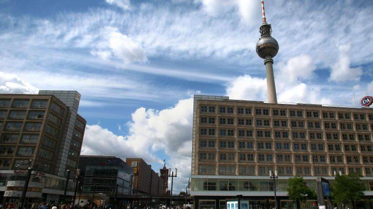Am Alexanderplatz geht der Denkmalschutz um. Doch welche DDR-Bauten sollen wirklich geschützt werden? Und wie groß sind die Chancen dafür?