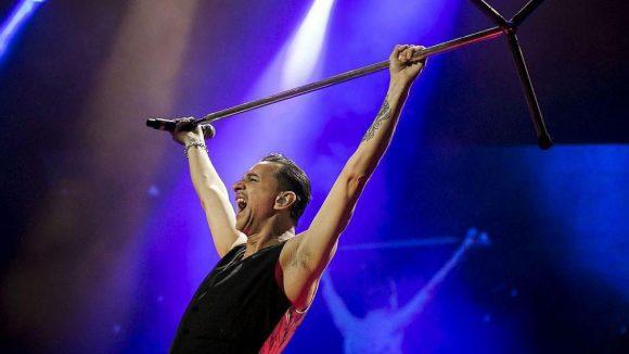 Dave Gahan von Depeche Mode im Mai 2013 im Puskas-Stadion Budapest.