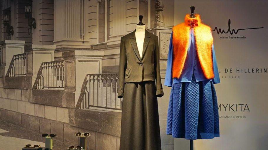 Diese zeitlosen Outfits gab es im Jahr 2015 im Pop-up des Berliner Mode Salons zu kaufen. Jetzt werden im Atrium des KaDeWe die Frühling/Sommer-Kollektionen deutscher Designer vorgestellt.