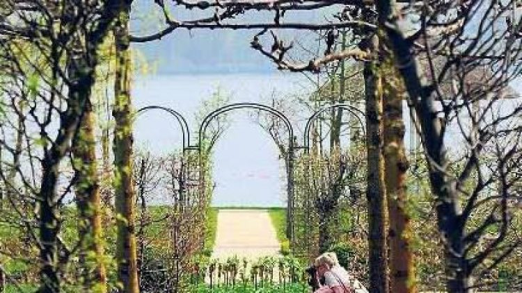 Auf Achse. Der Garten der Liebermann-Villa ist nun weitgehend rekonstruiert. Auch die Sichtachsen kommen nun wieder richtig zur Geltung.