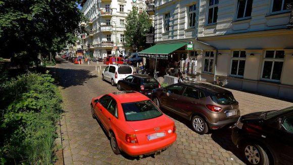 """Autofreie Stadt - wie schön wäre das. Heute wird in Berlin und ganz Europa der Aktionstag """"Autofreier Tag"""" begangen."""