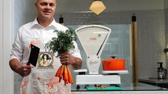 """Hier wird für die perfekte Bolognese höchstens die Möhre geköpft: """"Der Vegetarische Metzger"""" verkauft seinen Fleisch-Ersatz jetzt auch in Berlin."""