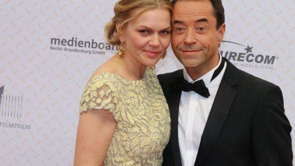 """Bekam nicht nur Lob für seine Moderation des Abends: """"Tatort""""-Star Jan Josef Liefers mit seiner Ehefrau Anna Loos."""