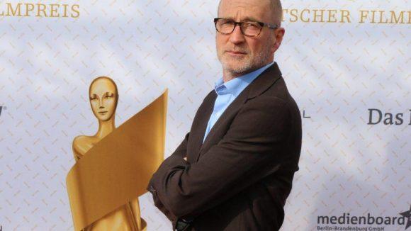 Schauspieler Peter Lohmeyer: Schaut er so grimmig, weil sein Lieblingsverein wieder nur die Nummer 2 im Ruhrgebiet geworden ist?