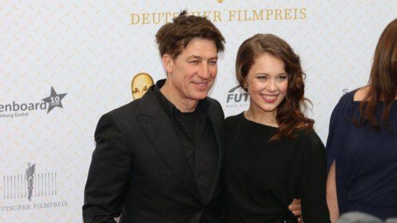 """Tobias Moretti und Paula Beer spielten zusammen in """"Das finstere Tal"""", der mehrere Preise abräumte. Moretti wurde zum besten Nebendarsteller gekürt."""