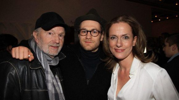 Als Gäste im Theater des Westens dabei: Michael und Robert Gwisdek sowie Claudia Michelsen (v.l.).