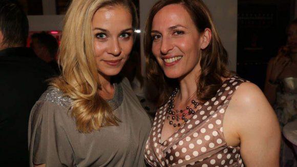 """Eine ehemalige und eine aktuelle """"GZSZ""""-Darstellerin: Jessica Ginkel (l.) und Ulrike Frank."""