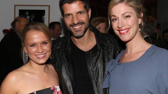Auch bei der anschließenden Party im Ellington schaute man gerne hin. Hier zu sehen: Nova Meierhenrich (l.), Pasquale Aleardi und Julia Stinshoff.