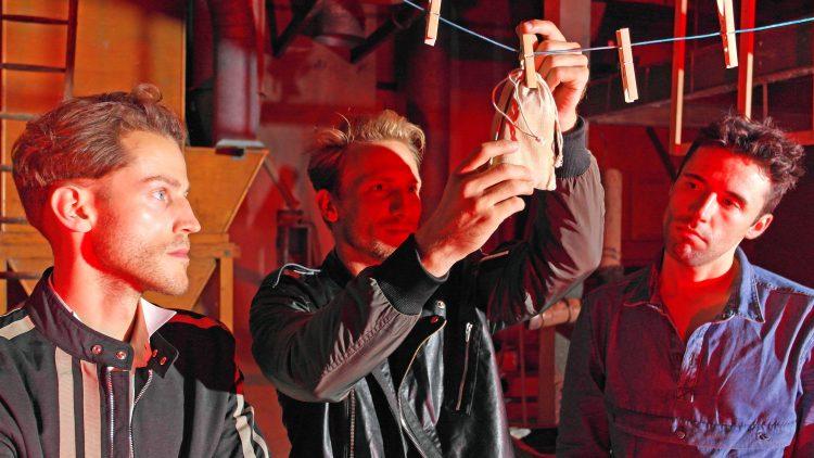 Hier dreht sich alles um den Zimt: Jeder der drei Hauptdarsteller hat eine andere Beziehung zu dem bittersüßen Gewürz.