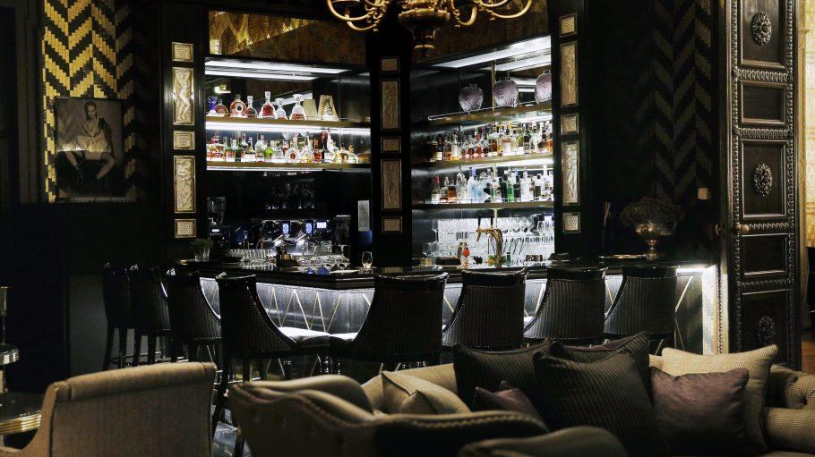 Was darf's sein? Ein GQ Manhattan oder vielleicht ein Cocktail mit Matcha-Tee? Dem Luxus sind in der GQ Bar keine Grenzen gesetzt!