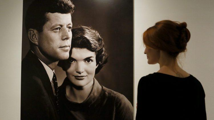 Am 29. Mai wäre der charismatische Präsident John F. Kennedy 100 Jahre alt geworden. Im Kennedy Museum kannst du dich in einer Fotokabine selbst als JFK und Jackie O. inszenieren.