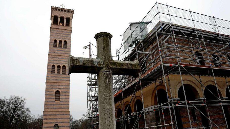 Die Sacrower Heilandskirche in Brandenburg.
