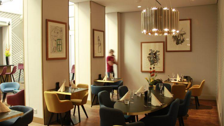 Die Upside Down Bar im Ermelerhaus lockt die Besucher mit Kunst und angenehmer Atmosphäre.