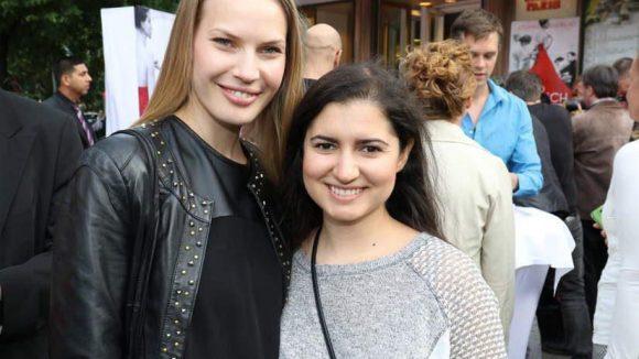 """... und Margarita Ruhl (links), die sowohl bei """"GNTM"""" als auch bei Till Schweigers früherer Show """"Mission Hollywood"""" ihr Glück versuchte. Hier mit Freundin Ena Huseljic."""
