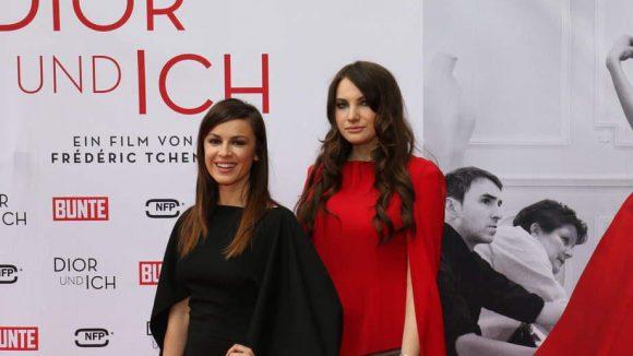 Natalie Avelon (links) trug ein Kleid von Designerin Lessja Verlingieri und hatte die auch gleich mitgebracht.
