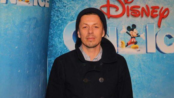 Andere Promis wahrten auch im Angesicht der vielen Disney-Embleme die Fassung. Wie Musiker Michi Beck ...