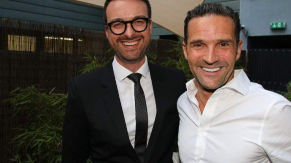 Oliver C. Eder (links), Store-Manager des Bulgari-Stores in der City West, mit dem Marketing-Experten Michael Kaufmann.