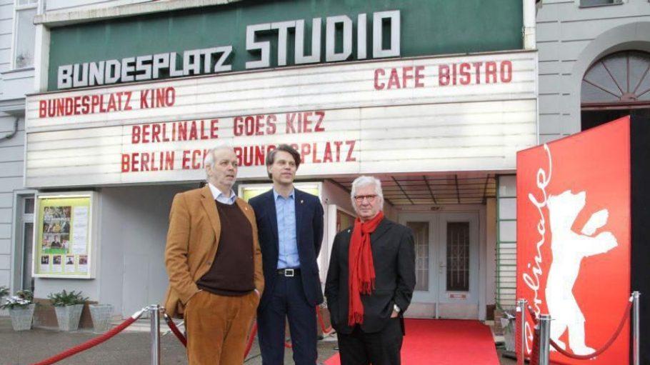 """Die Filmemacher Hans-Georg Ullrich (links) und Detlef Gumm mit Berlinale Programm-Manager Thomas Hailer (Mitte) beim Finale von """"Berlin - Ecke Bundesplatz"""" am 9. Februar 2013."""