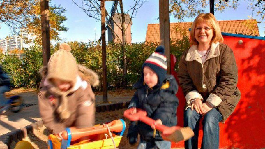 Christiane Vogel leitet den Dorfkindergarten in Alt-Marzahn.