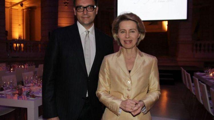 Dr. Stephan Vogel (Präsidiumssprecher ADC) mit Bundesarbeitsministerin Ursula von der Leyen.