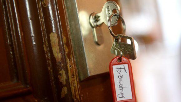 Dürfen Wohnräume nicht mehr zu Ferienunterkünften werden? Wir wollen Licht ins Dunkel bringen