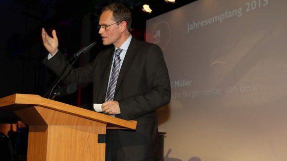 Und auch der Regierende Bürgermeister Michael Müller kam zum Gratulieren und Mitfeiern.