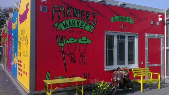 """Von der Farm direkt auf den Tisch: Im angeschlossenen """"Farmer's Market"""" können Kunden frischen Fisch und frisch geerntetes Gemüse kaufen."""