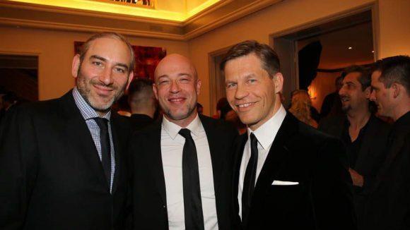 ... der Graf (Mitte) mit Frank Briegmann und Daniel Lieberberg von Universal ...