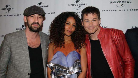 """... Gentleman (links), Joy Denalane und Morten Harket von der gerade """"zurückgekehrten"""" Band a-ha ..."""