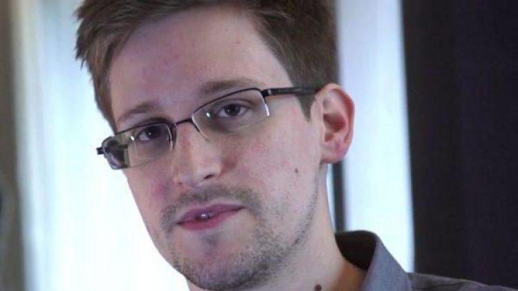 Auch Berlin engagiert sich heute für Edward Snowden. Solidaritätslesungen für den NSA-Whistleblower finden u.a. im Haus der Berliner Festspiele statt.