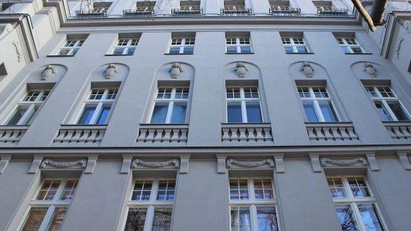Eigentümer Dr. Thomas Bscher ließ nicht nur die Fassade originalgetreu schick machen ...