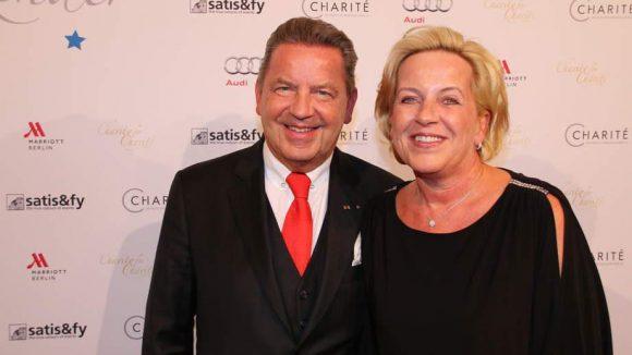 Das Ehepaar Woltmann schlug ebenfalls bei der Spenden-Gala auf. Er ist deutscher Bankier, Unternehmer und Milionär.