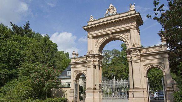 Das Tor zum Bürgerpark Pankow, der beliebt bei Jung und Alt ist.