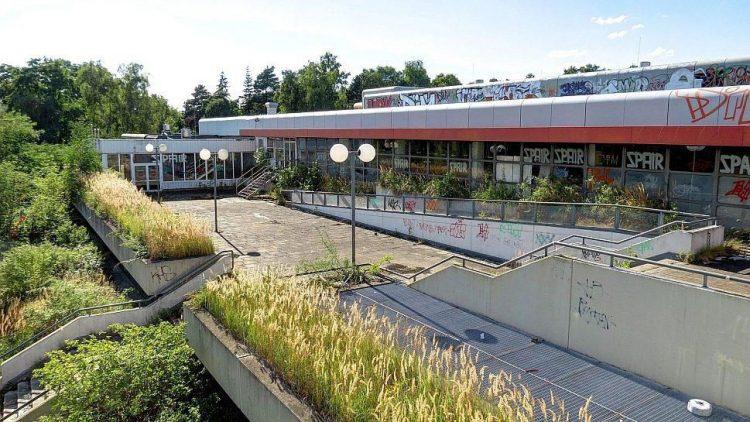 Das ehemalige Einkaufszentrum in der Avenue Charles de Gaulle steht schon lange marode in der inzwischen wieder beliebten Wohngegend.