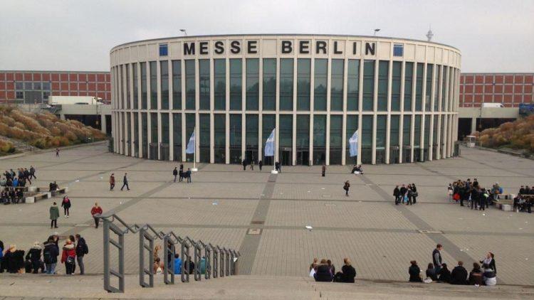 Das Messegebäude von außen