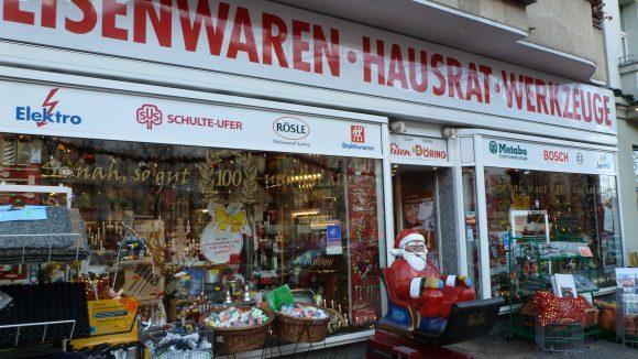 Döring ist Besitzer einer der letzten klassischen Eisenwarenläden Berlins.