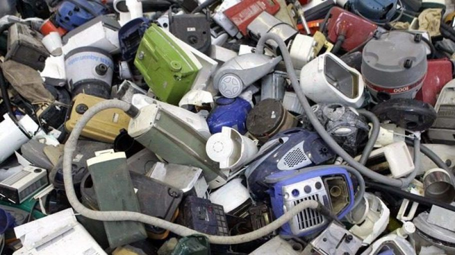 Nicht aller vermeintliche Elektroschrott ist irreparabel. Mit etwas fachkundiger Unterstützung ließe sich der ein oder andere Staubsauger sicher wieder aufmotzen.