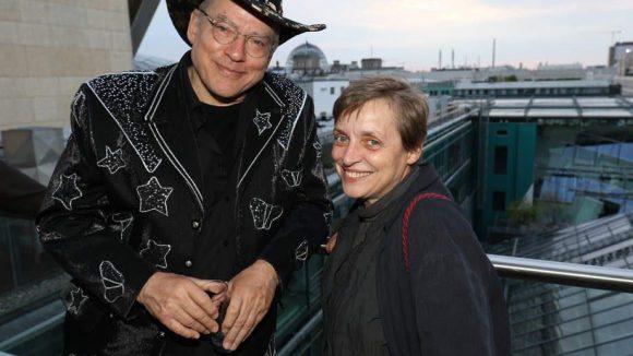Mit Rosa von Praunheim und Katharina Thalbach fanden sich zwei ganz Große der Filmbrache auf der Dachterrasse in Mitte ein.