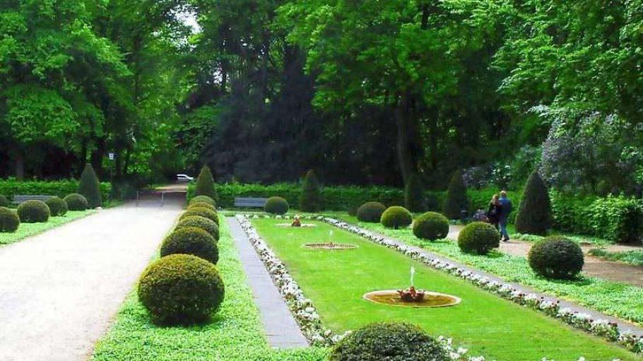 Britische Parkkultur im Englischen Garten, der im nordwestlichen Teil des Tiergartens liegt.
