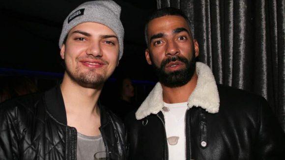 Zeigt her eure Bärte: Schauspieler Wilson Gonzalez Ochsenknecht (l.) posiert mit DJ Harris.