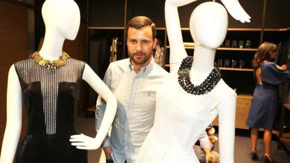 Weiter geht's in die City West, wo Marcell von Berlin seinen neuen Shop eröffnete. Hier der Designer himself.
